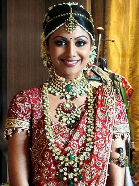 Different Types Of Indian Bridal Jewellery That Every BrideToBe