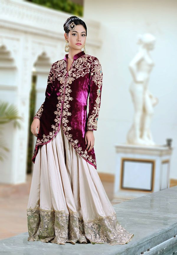 2f66566e36 Stunning Indian Wedding Clothing Trends For Brides