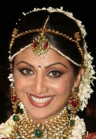 Blogs By HamaraEvent On Wedding All Occassions Party And Corporate Venues Banquet Halls Traditional Bindi