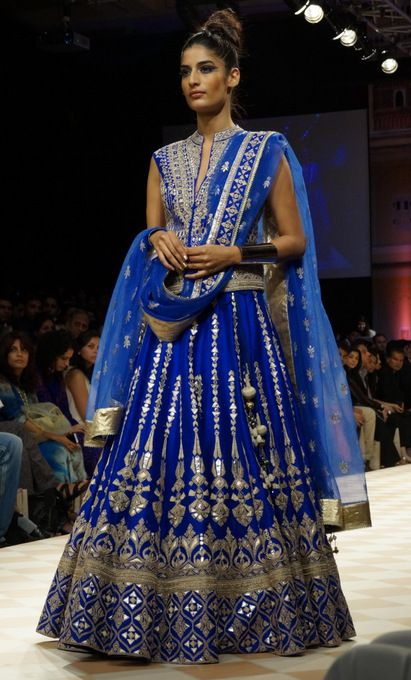 4d085a00b48 Stunning Indian Wedding Clothing Trends For Brides